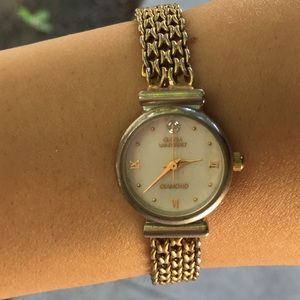 Jewelry - Gloria Vanderbilt Gold Watch